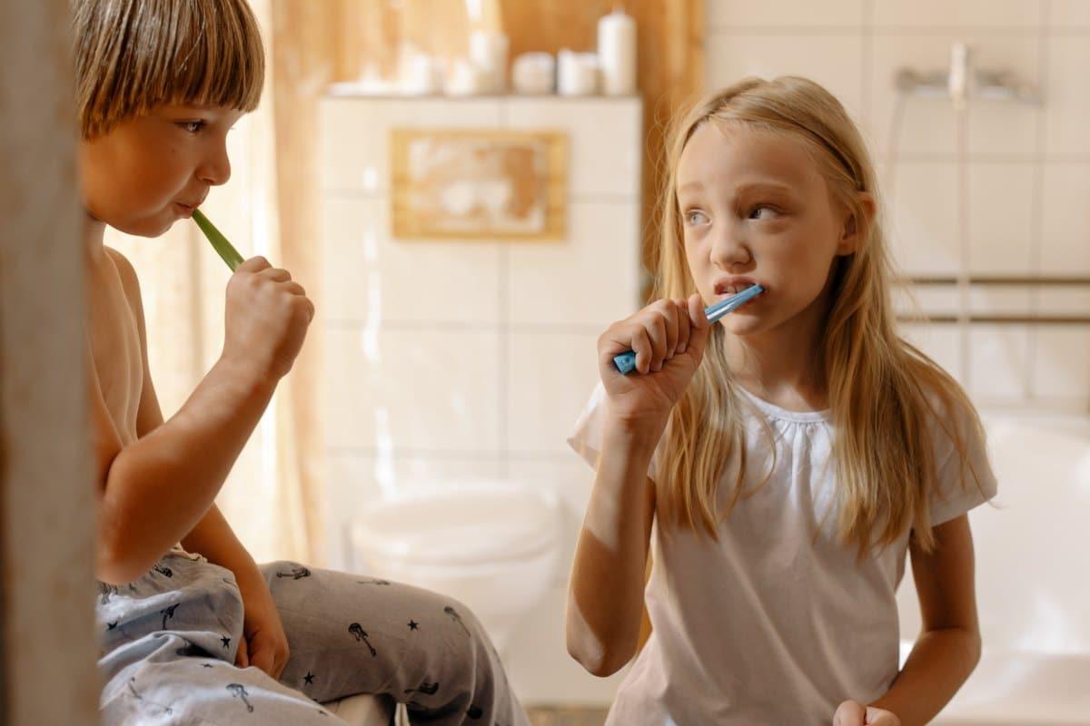 Грижа-за-Фасети-миене-на-зъби